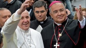 Un cardinal a fost jefuit de un crucifix