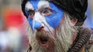 Violente in Scotia: Politia a intervenit pentru a separa grupuri pro si anti-independenta in Glasgow