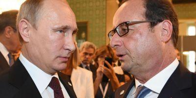Hollande se intalneste cu Putin sambata dupa-amiaza la Moscova, anunta Palatul Elysee