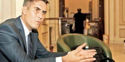 Deputatul traseist Florentin Gust, PSD - PC - PDL - PSD, isi ameninta partidul ca va boicota bugetul daca nu se dau si bani pentru autostrada Craiova-Pitesti