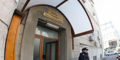 Fost ofiter SRI retinut dupa ce ar fi luat mita peste doua milioane de lei pentru interventii la ANAF