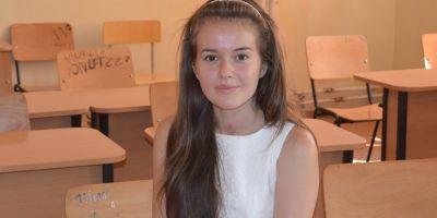 Delia Neacsu, fata de la tara admisa la cel mai bun liceu din Romania. Drumul copilei dintr-un sat din Teleorman spre Colegiul