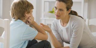 Cand devine toxica prietenia cu propriul copil. Greseala pe care o fac adultii, care duce la inversarea rolurilor