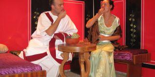 Istoria vinului: ce gust avea gemul de vin al grecilor antici. Motivul ciudat pentru care romanii il beau cald