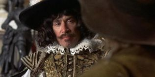 Actorul Frank Finlay, care l-a intrepretat pe Porthos in