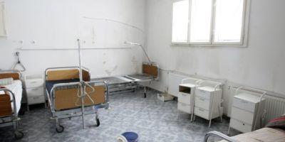 Romii fac ravagii in spitalul de pediatrie din Iasi. Cum au disparut in timp record clante, bucati de gresie si chiar prize