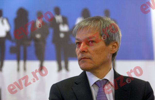 Dacian Ciolos ii raspunde lui Victor Ponta: Acuzatiile tale mi se par deplasate