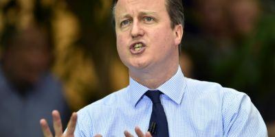 Cameron ameninta cu o noua cura de austeritate dupa ce flotile se infrunta pe Tamisa pe tema unui Brexit