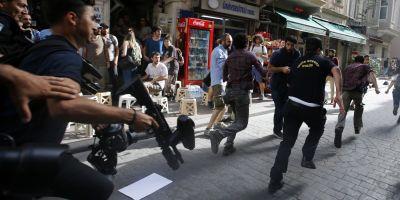 Politia turca a dispersat cu gaze lacrimogene marsul Gay Pride de la Istanbul