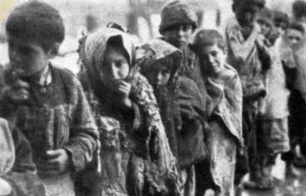 Imagini CUTREMURATOARE din timpul GENOCIDULUI pe care nimeni nu il recunoaste! Milioane de oameni au fost batuti, infometati si torturati pana la MOARTE | GALERIE FOTO