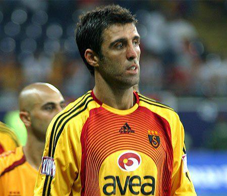 Un LEGENDAR fotbalist risca sa intre in PUSCARIE, pentru ca l-a criticat pe Recep Erdogan. Procurorii cer o pedeapsa USTURATOARE