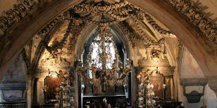 VIDEO Cum devine moartea o opera de arta. Povestea bisericii