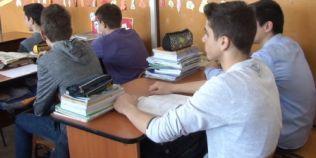 Elevii revin la scoala marti, dupa vacanta de primavara. Urmeaza o perioada cu teze, evaluari si examene nationale