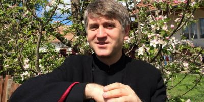 Cristian Pomohaci a fost caterisit. Preotul a fost exclus din Biserica Ortodoxa Romana si nu mai poate sluji la altar