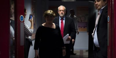 Theresa May, sub presiune: Partidul Laburist isi schimba pozitia fata de parasirea pietei unice