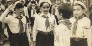 FOTO Cum era scoala in comunism. Ce rol aveau Soimii Patriei, pionierii si UTC-istii