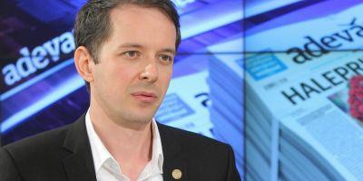 Scandal in USR. Unul dintre candidatii la sefia partidului se retrage din cursa si acuza nereguli in organizarea Congresului