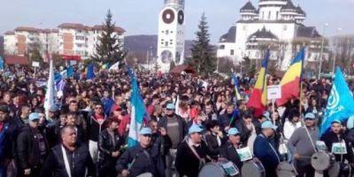 Sindicatul Automobile Dacia organizeaza marti un miting de amploare. Aproape 10.000 de oameni sunt asteptati la protest