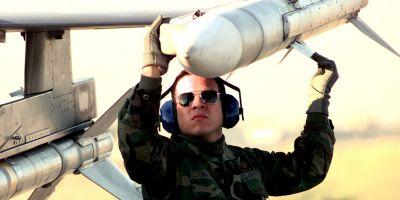 Departamentul American al Apararii a contractat rachete inteligente si pentru avioanele F-16 ale Fortelor Aeriene Romane