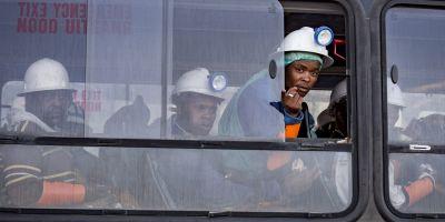 Africa de Sud: 955 de muncitori au fost salvati dupa ce au ramas blocati intr-o mina de aur