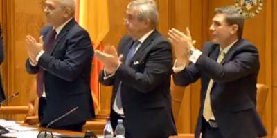 VIDEO Primarii din Republica Moldova care au votat declaratiile de unire, aplaudati in picioare in Parlamentul de la Bucuresti