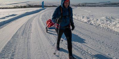 VIDEO Doar 10 atleti au ramas in cursa infernala de la Cercul Polar. Romanul Tibi Useriu spune ca vremea este cumplita: